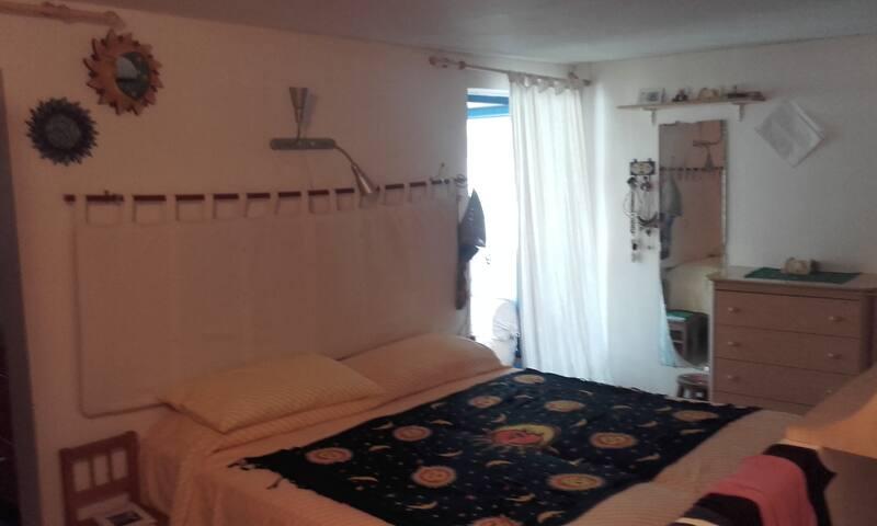stanza con bagno privato - Conversano - บ้าน