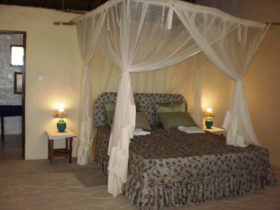 Double Bed Suite, 50m2, shower/toilet ensuite, sleep 2