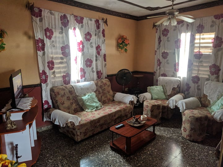 Rent House  Hostal Ozuna
