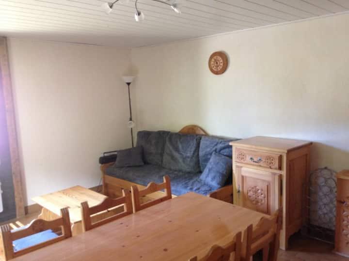 Ground floor apartment 2/3 pers & garden Ceillac