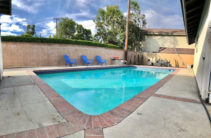 *Unique* Studio with Private Pool in Orange County