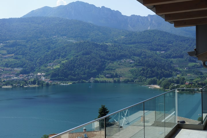 An Italian paradise - lakes, mountains & that view