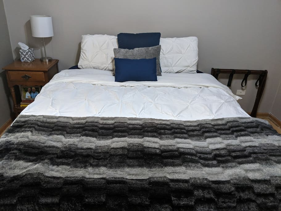 Queen Bed in guest room