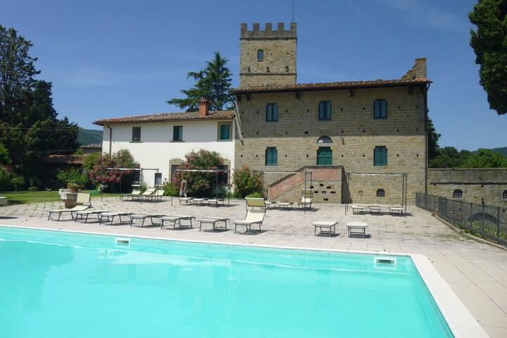 Luxurious Holiday Home in Pelago Italy with Jacuzzi