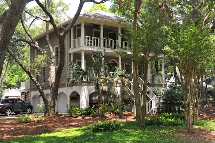 Quiet, secluded home w/ private pool - close to nature trails, beach & golf!