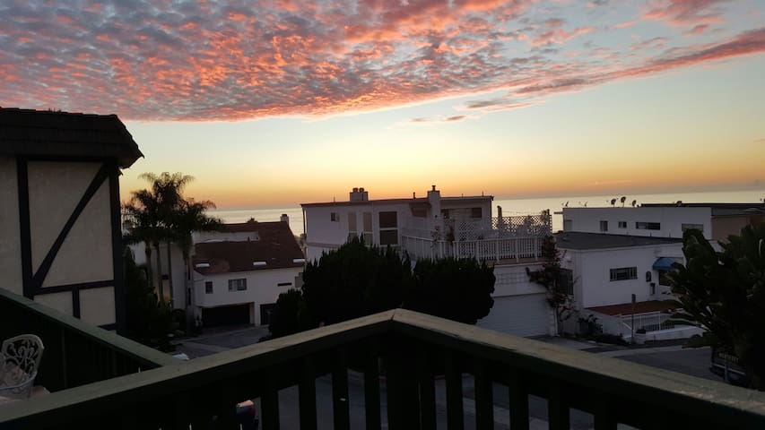 Ocean view apt steps from the beach - San Clemente - Flat