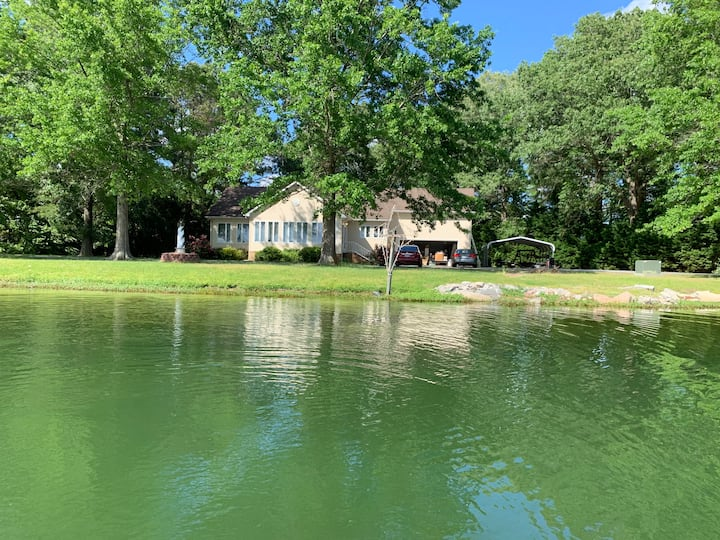 Lakeside Retreat **NO ADDED FEES!**