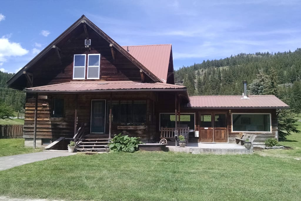 Ranch house near glacier park and whitefish houses for for Glacier fish house