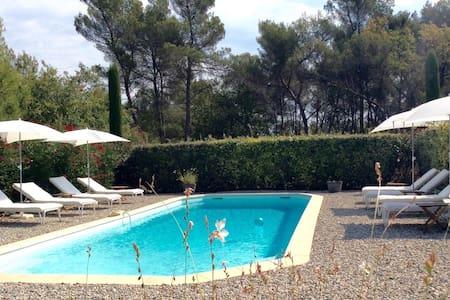Top 20 vakantiehuizen fuveau vakantiewoningen for Piscine fuveau