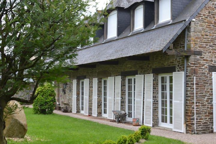 tibugale (la Maison des Enfants en Breton)