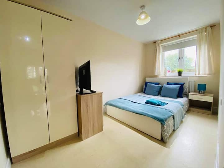 Beautiful Room in London Near Croydon
