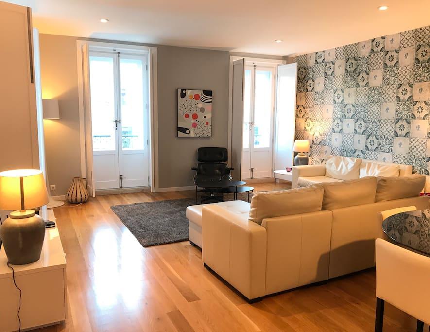 Living room - Street view