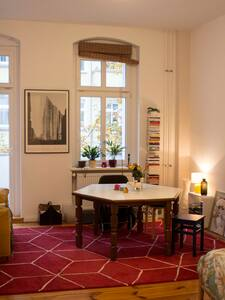 lovely room in friedrichshain with balcony - Berlin - Lägenhet
