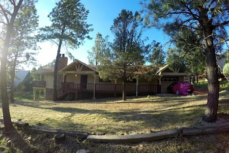 Big, Secluded & Close to the Village, 4BR 2.5 BA - Ruidoso