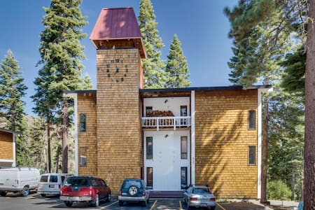 Scott Peak Slopeside Condo-Dog Friendly - Alpine Meadows - Ev