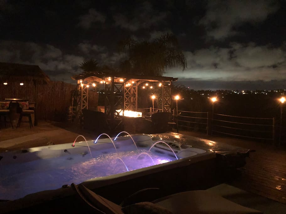 Most amazing home in San Diego for entertaining.  Swim spa, Fire Table, Covered BBQ/Bar... who needs more?