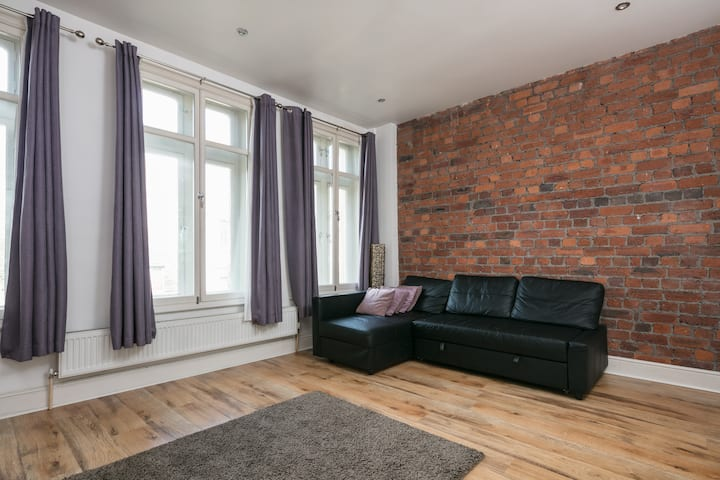 Character 2 Bed town cntr Flat  sleeps 4 people
