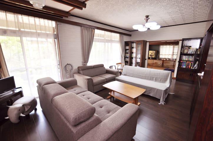 大分県日田市の住宅街の静かな家、畑仕事も楽しめます。