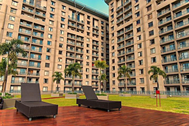 Westpoint Luxury 2 bedroom Suites - Sandton - Apartment