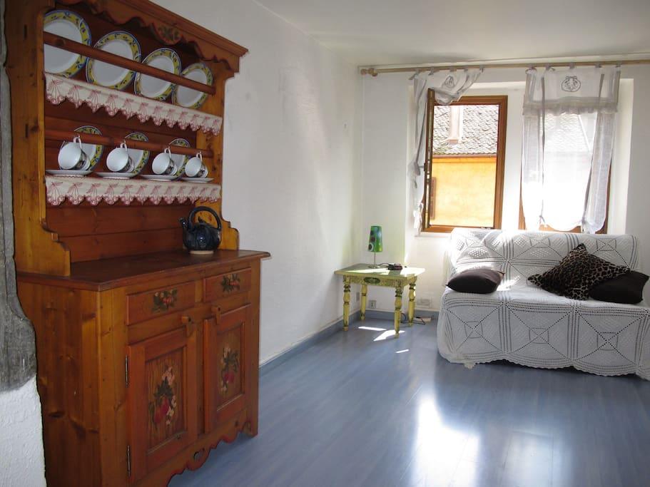 agr able studio c ur v ville flats for rent in annecy rh ne alpes france. Black Bedroom Furniture Sets. Home Design Ideas