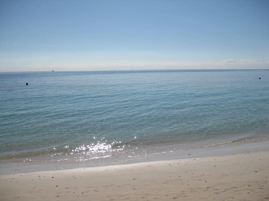 25 min walk to Coral beach.