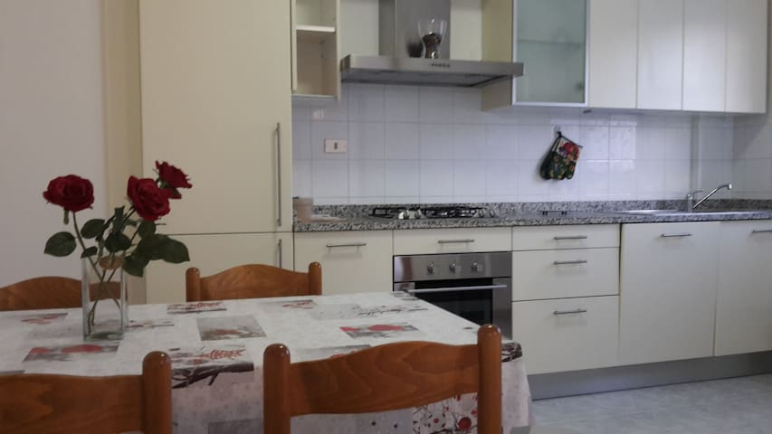 Emanuele - Appartamento Duca D'Aosta