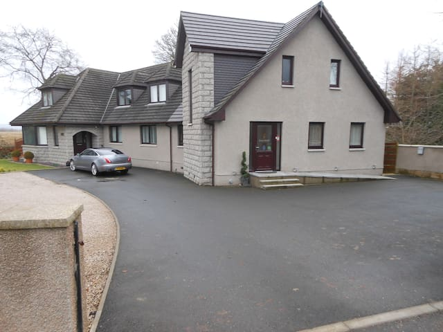 Loch Hart Guest House - Aberdeenshire - เกสต์เฮาส์