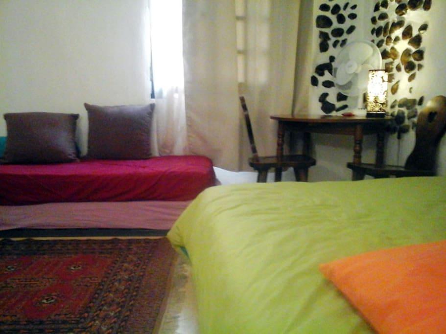 The room /  La chambre au 1er étage, lit 1 place