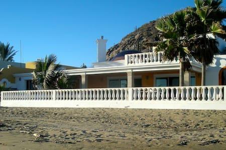 BAHIA KINO: Casa Tortuga's TORTUGA STUDIO