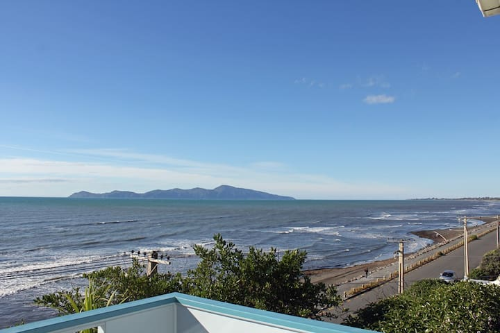 Absolutely Fabulous Waterfront  - Paekakariki - House