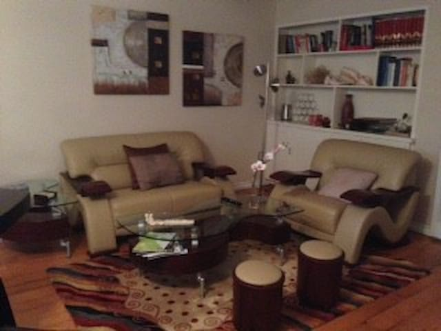 Uptown/nice/practical locational