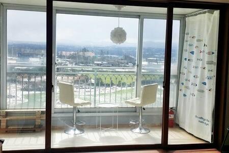 여성전용 소냐의 쉐어하우스+힐링감성투어! 교통 편리한 시골. 공항 30분. 바다 5분. - Jochon-eup, Jeju-si - Apartment