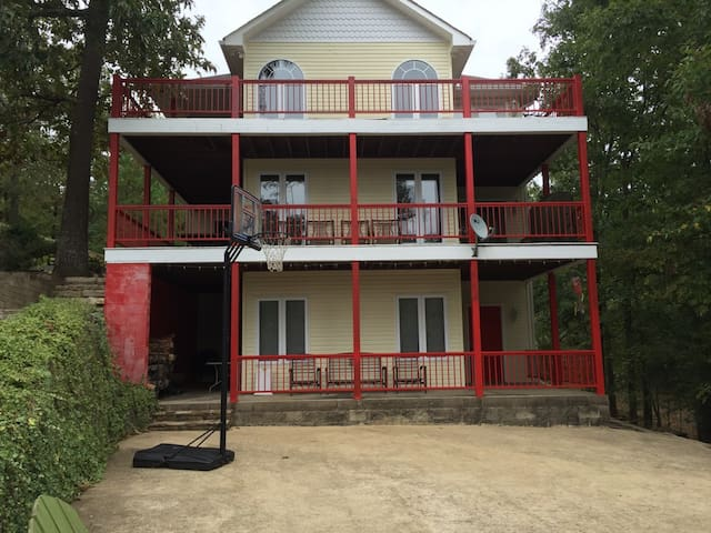 Amazing Pickwick House on the Water - Cherokee - Hus