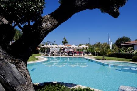 Villa 5 posti in residence sul mare - con piscina - Marina di Zambrone - บ้าน