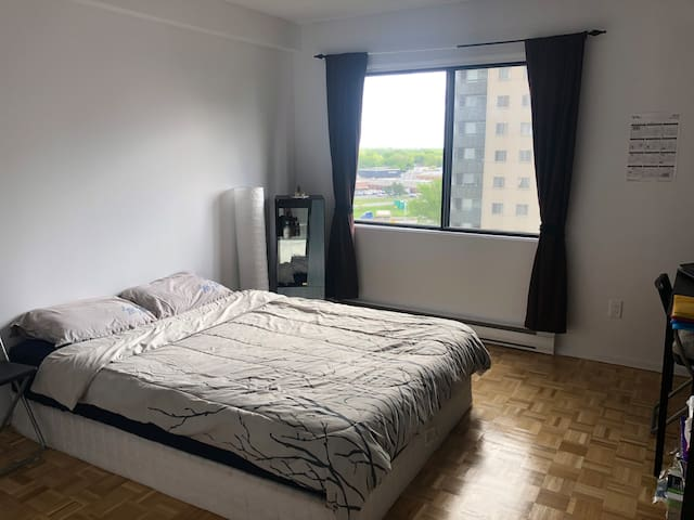 Very comfortable big room and so close to downtown
