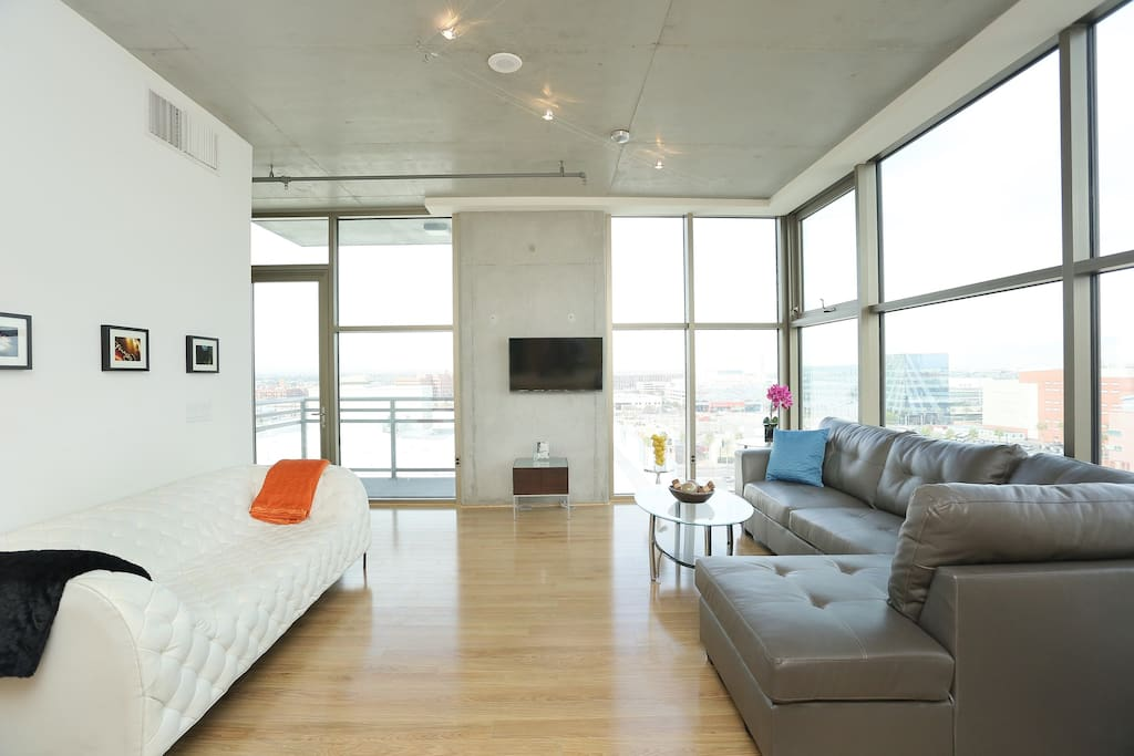 Modern Jewelbox Loft In Downtown LV Condominiums For