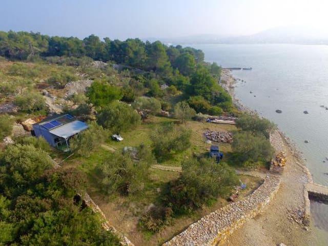 Otok Vinik (pored Murtera) - mir u prirodi