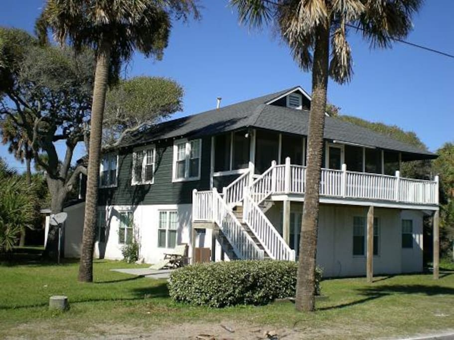 classic folly beach house w ocean huizen te huur in folly beach south carolina verenigde staten. Black Bedroom Furniture Sets. Home Design Ideas