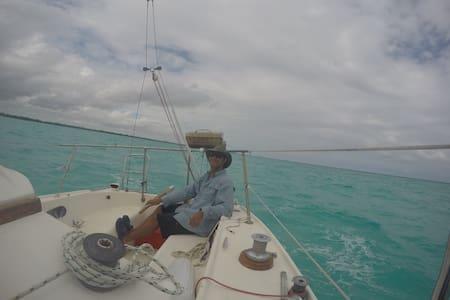 Oceanfront Living aboard a 28' Sailboat