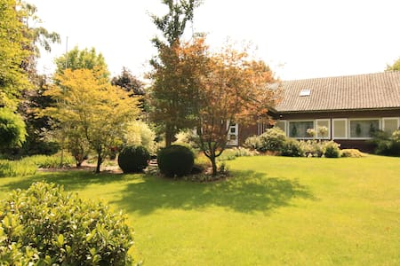 luxurious villa with guesthouse  - Venlo - Villa