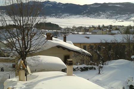 Skiing in Pescocostanzo - Pescocostanzo
