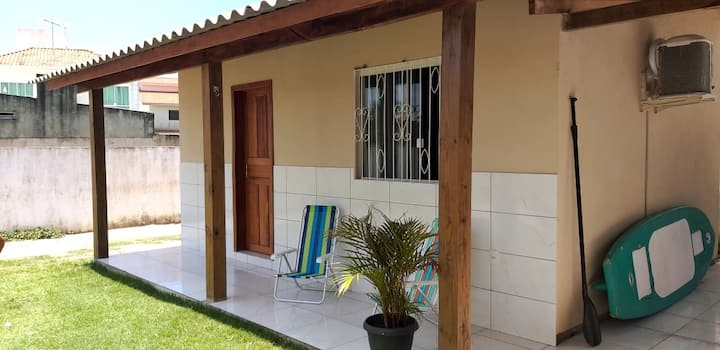 Beach house Barra da Lagoa with air conditioning.