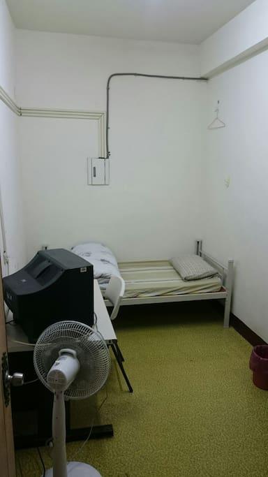 用極低的價格就有自己的房間。不用跟他人同住一間房間。