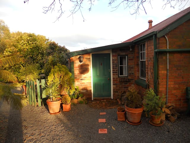 Solomon Cottage - Evandale - Bed & Breakfast