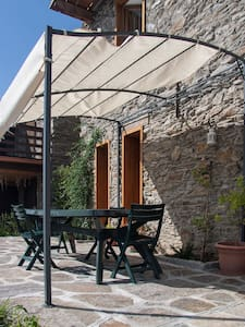 Beautiful Villa with lake views - Sueglio