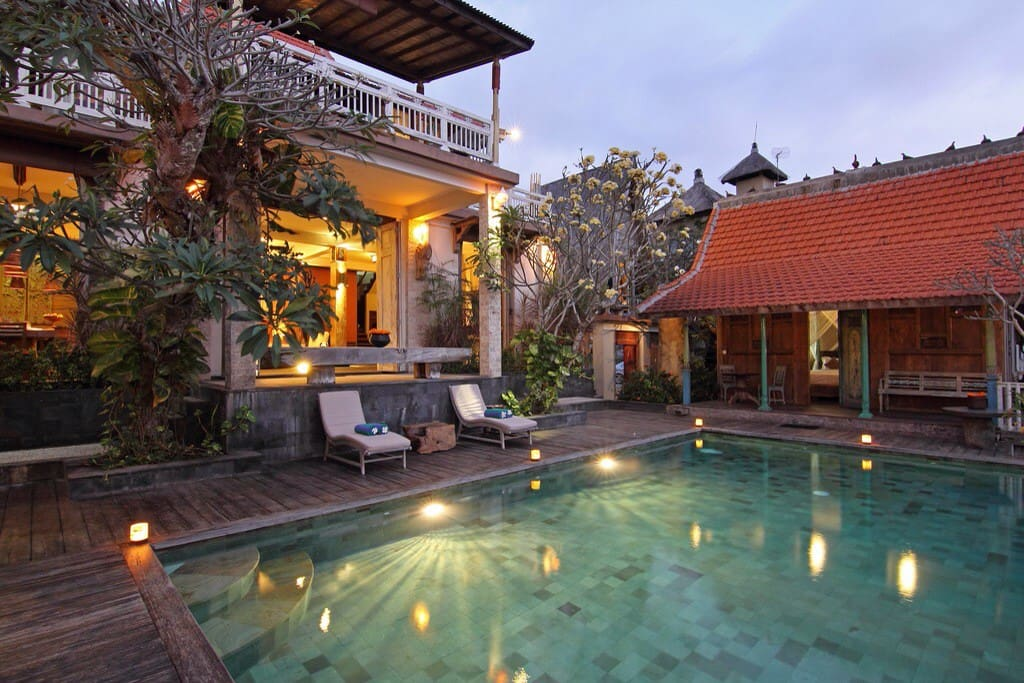 Villa uma priyayi 3 br villen zur miete in badung for Traditionelles haus bali