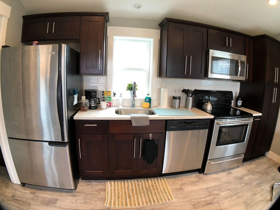 Full kitchen, just bring food to cook. We also have a growler for you to use. A small trash can on the container for your compostables like coffee grounds.