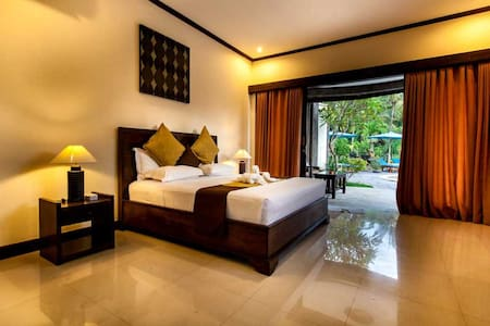 The rooms are bright and spacious and all equipped with a wardrobe, a flat- screen satellite TV, a desk, a safety box, and a mini-bar.