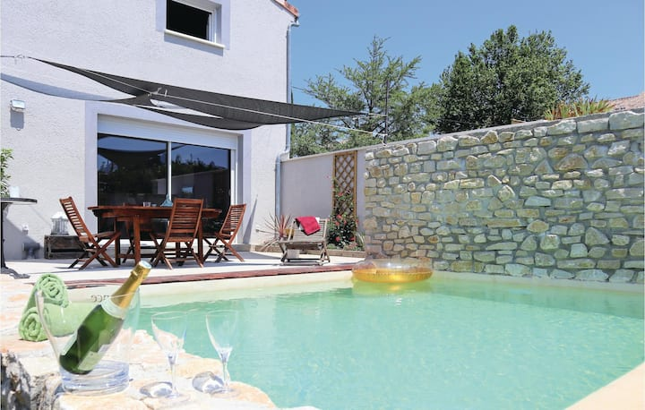 Nice home in Montelimar with WiFi, 3 Bedrooms and Outdoor swimming pool