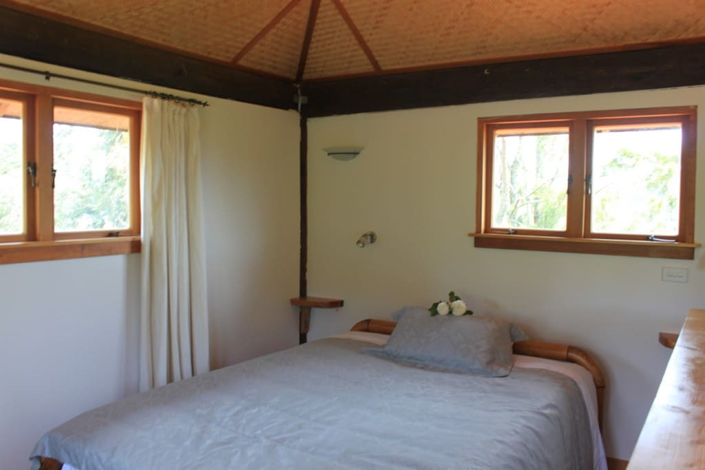 Griffin Cottage - romantic upstairs bedroom with expansive views.